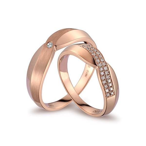 Luxurious Diamond S Wedding Ring Bands On 18k Rose Gold