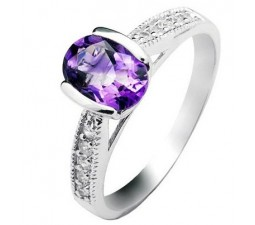 1 Carat Amethyst Gemstone Engagement Ring on Silver