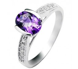 1.1 Carat Amethyst Gemstone Engagement Ring on Silver