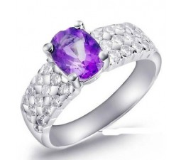 1.25 Carat Amethyst Gemstone Engagement Ring on Silver