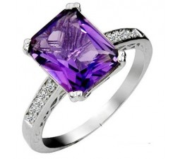4.5 Carat Amethyst Gemstone Engagement Ring on Silver