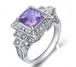 1.5 Carat Amethyst Gemstone Engagement Ring on Silver