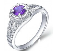 2 Carat amethyst Gemstone Engagement Ring on Silver