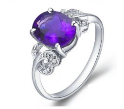 0.35 Carat Amethyst Gemstone Engagement Ring on Silver