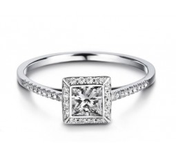 Beautiful Princess cut Diamond Engagement Ring on 10k White Gold