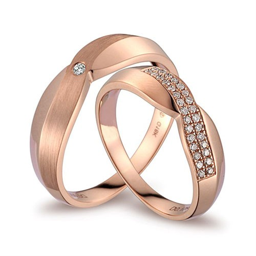handcrafted marriage rings half carat on 18k gold
