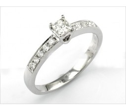 Princess cut Diamond Engagement Ring on Closeout Sale
