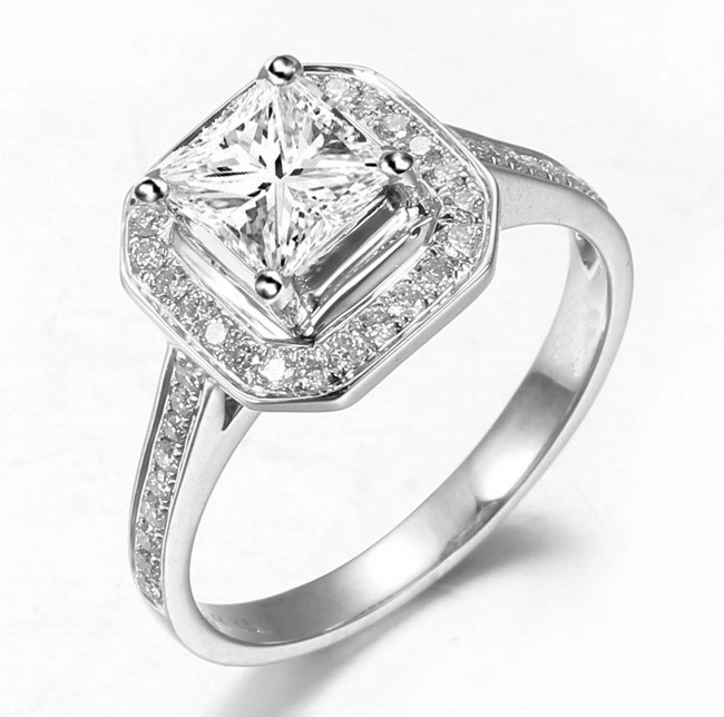 Lovely Halo Wedding Ring 1.00 Carat Princess Cut Diamond on Gold