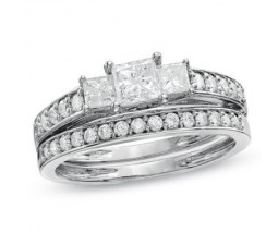 Diamond Three Stone Wedding Ring Set on
