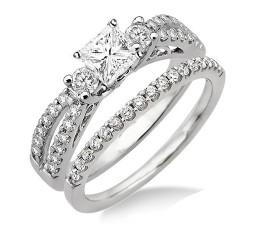 Antique Style Wedding Ring Set on