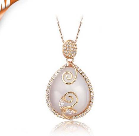 Solitaire teardrop design Moonstone Pendant Necklace for ...
