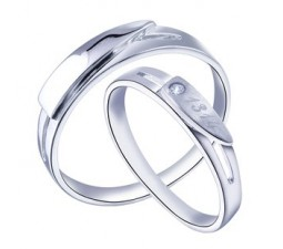 Matching wedding ring bands for Couples with beautiful His and Her bands design