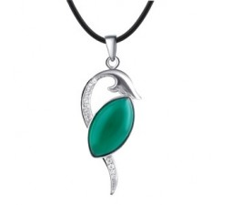 Green agate pendant necklace for women on sale