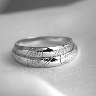 curvy waves his and her matching wedding ring set for couple - His And Her Wedding Ring Sets