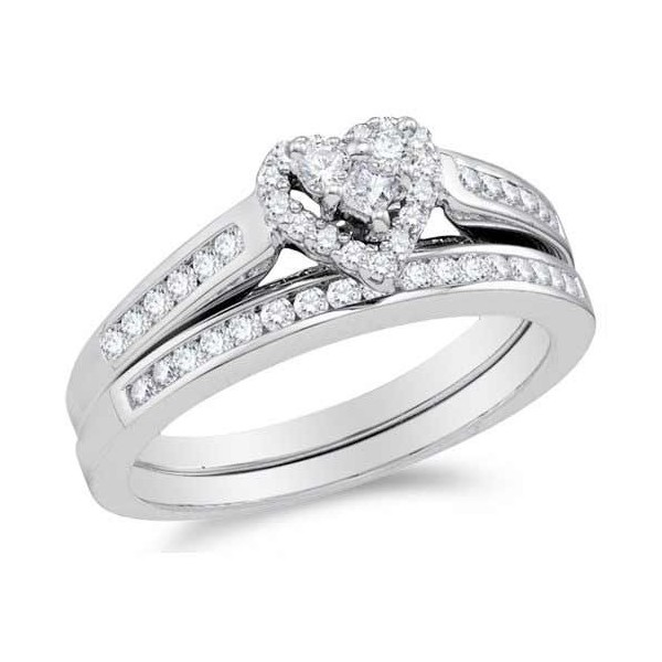 Charmant 1 Carat Heart Shape Halo Design Wedding Ring Set