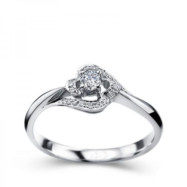 Designer Round solitaire Diamond engagemennt Ring
