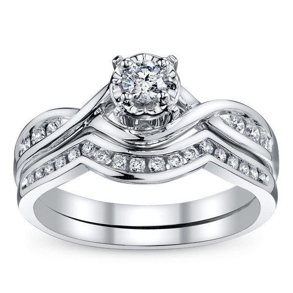 Divine Wedding Ring Set Half Carat Round Cut Diamond on Gold