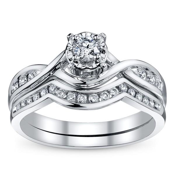 Divine Wedding Ring Set Half Carat Round Cut Diamond On
