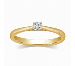 Four Prong Round Solitaire Diamond Ring in Yellow Gold