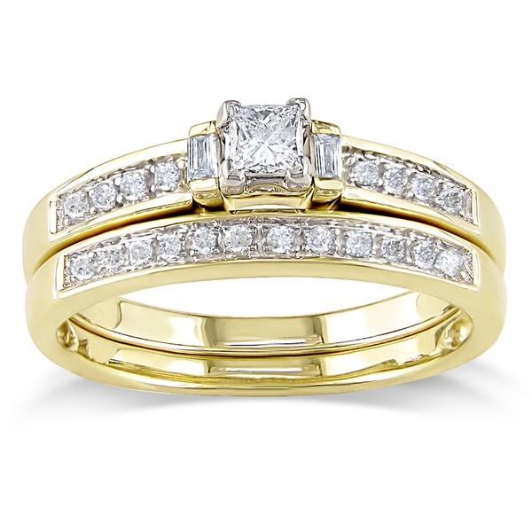 Beautiful Princess and Baguette Diamond Bridal Set in yellow Gold