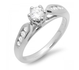 Classic Round Diamond Engagemen Ring in White Gold