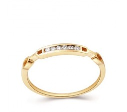 Exquisite Diamond Wedding Band on 18k Yellow Gold