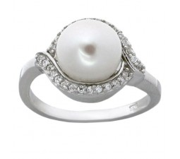Classic Pearl Engagement Ring for Her