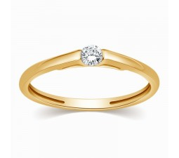 Comfort fit Round Diamond Ring in Yellow Gold