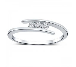 Three Stone Round Diamond Ring in White Gold