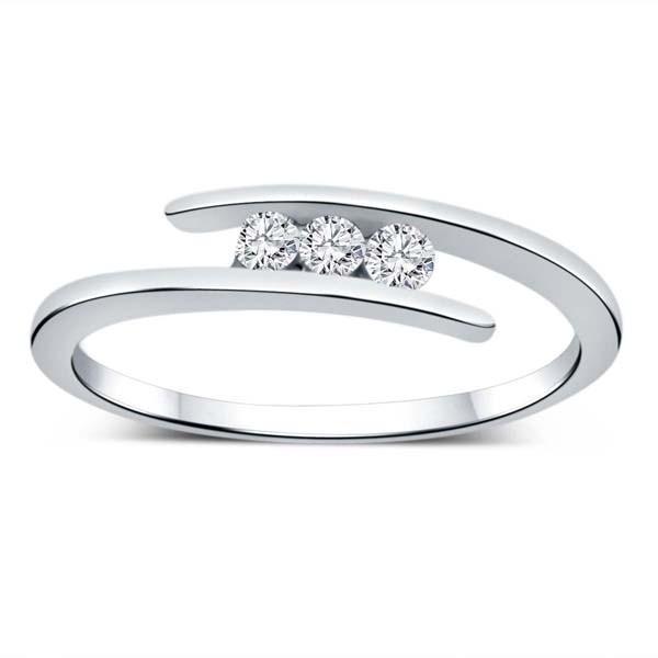 Three Stone Round Diamond Ring in White Gold