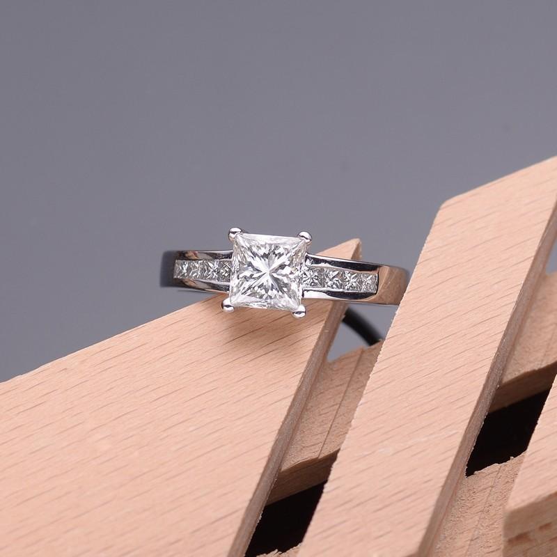 lustrous inexpensive engagement ring 100 carat princess