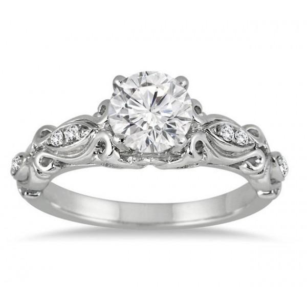 Delightful Antique Wedding Ring 0.50 Carat Round Cut