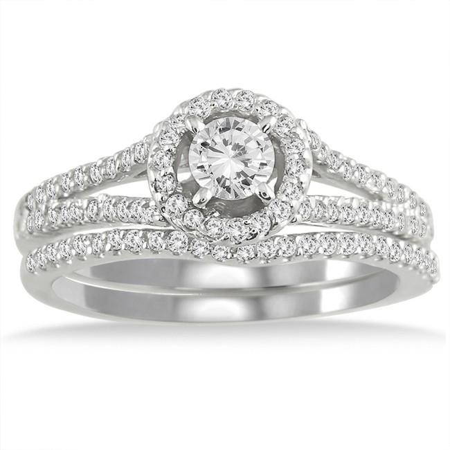 Lovely Bridal Ring Set 1 Carat Round Cut Diamond on 10k Gold