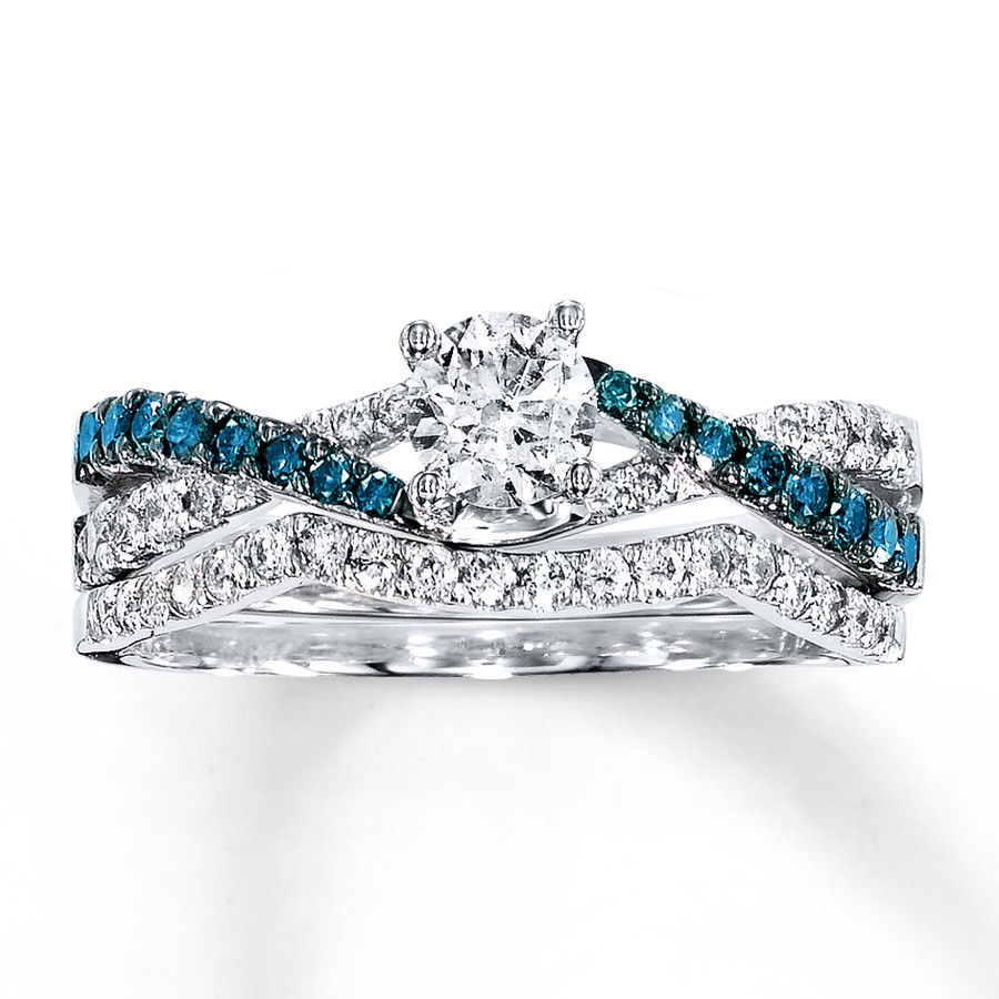 1 Carat Luxurious Round White And Blue Diamond Bridal Ring Set