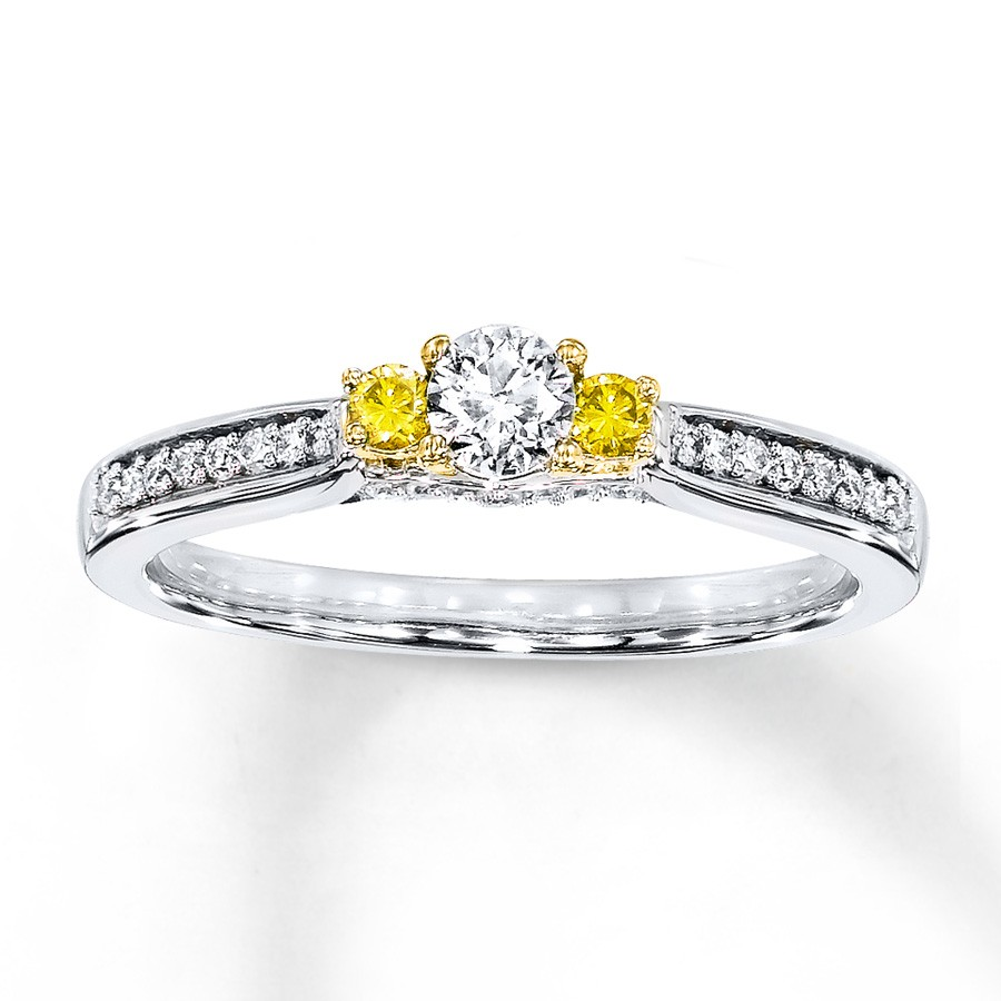 solitaire carat in rings gold engagement a white diamond ring with yellow
