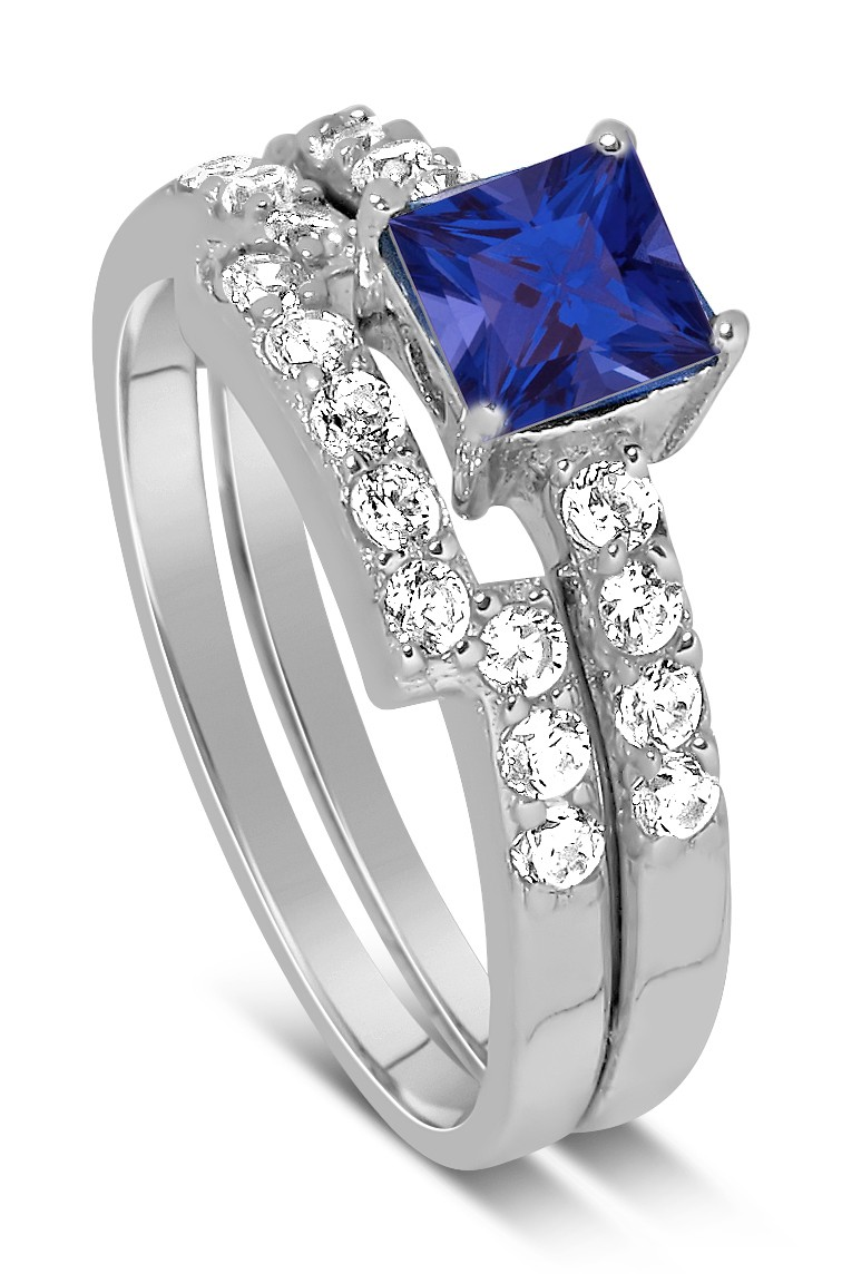 Luxurious 2 Carat Princess Cut Blue Sapphire And White Diamond