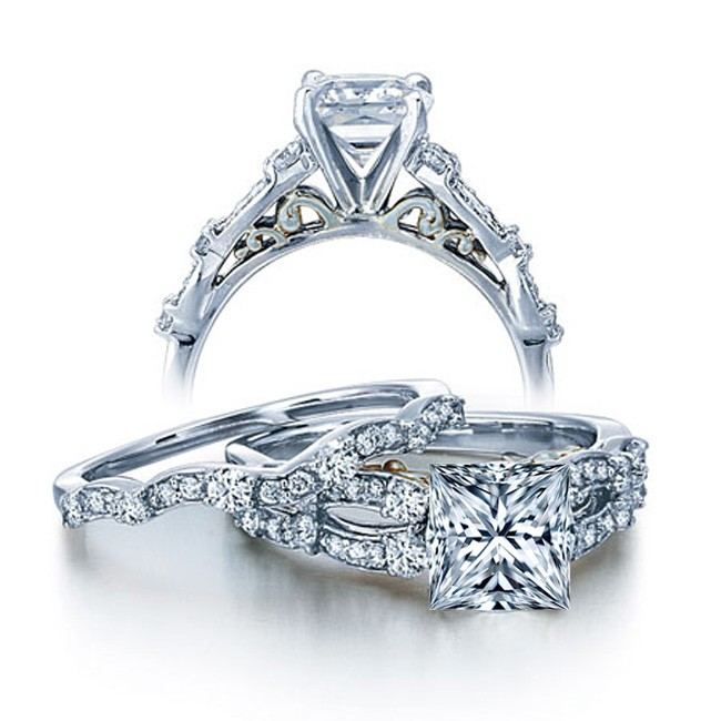 Charmant 1 Carat Vintage Princess Diamond Wedding Ring Set For Her In White Gold.