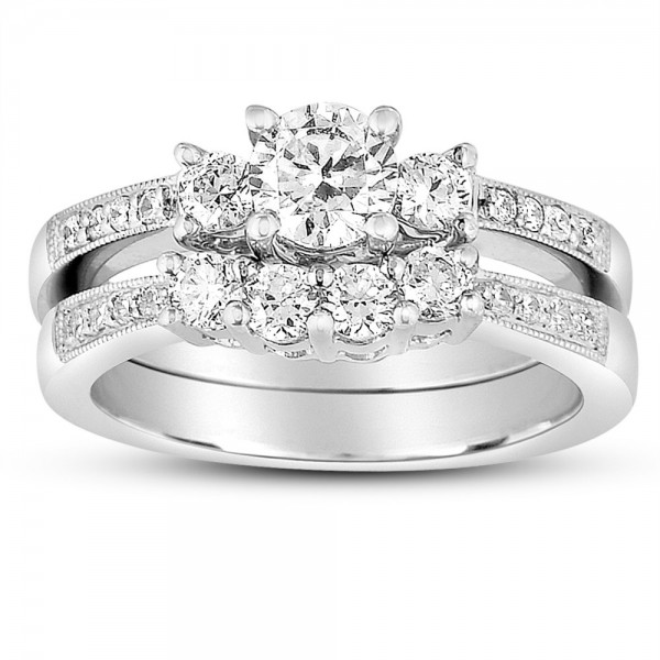 2 Carat Round Diamond Antique Wedding Ring Set in White Gold for Her