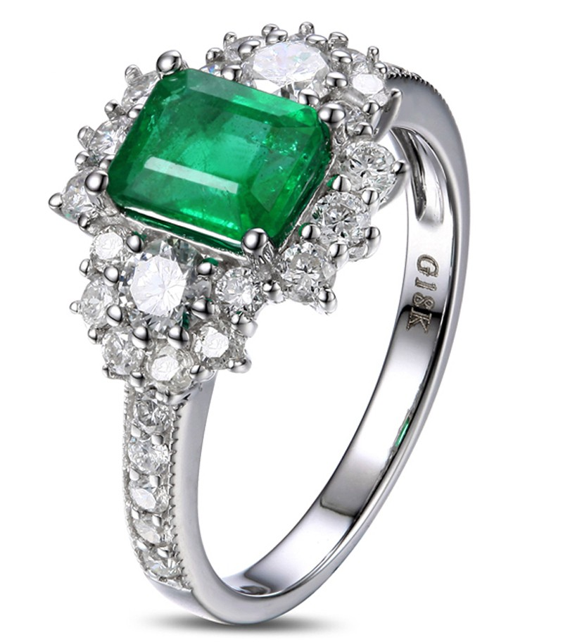 2 Carat beautiful Emerald and Diamond Engagement Ring for Women in ...