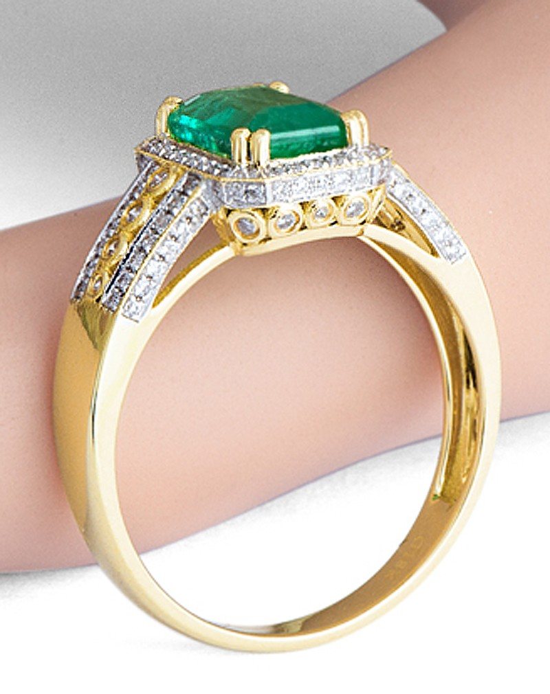 Vintage 1 50 Carat Emerald And Diamond Engagement Ring For