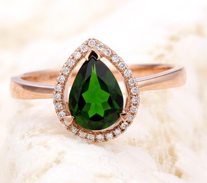 Designer 1 50 Carat Pear Shape Emerald And Diamond Halo