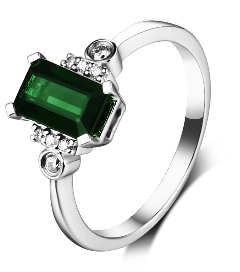 Beautiful Diamond Engagement Rings For Women: Beautiful 2 Carat Emerald And Diamond Engagement Ring In