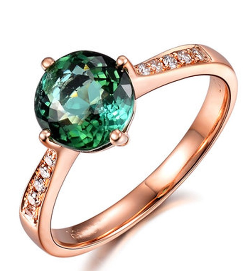 classic 1 carat green emerald and gold