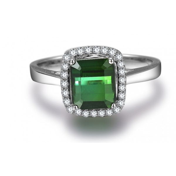 1 carat princess cut emerald and halo