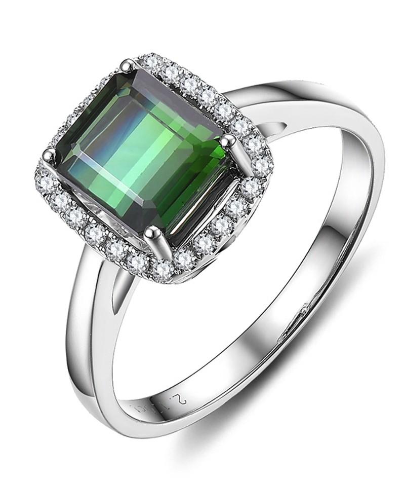 1 carat princess cut emerald and halo