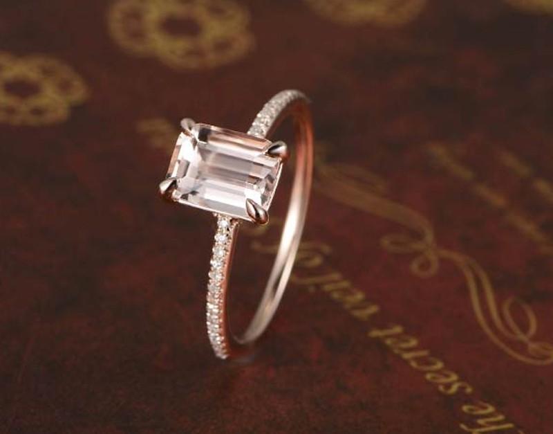 1 Carat Morganite And Round Cut Diamond Engagement Ring In