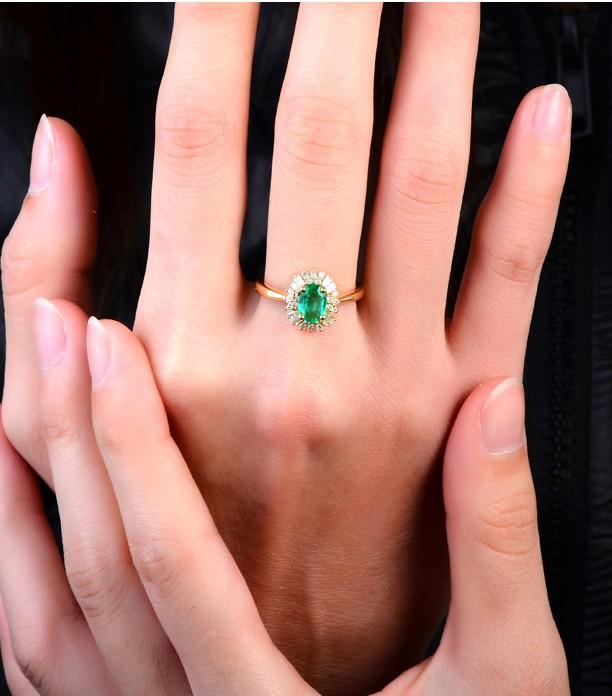 Aquamarine engagement rings oval