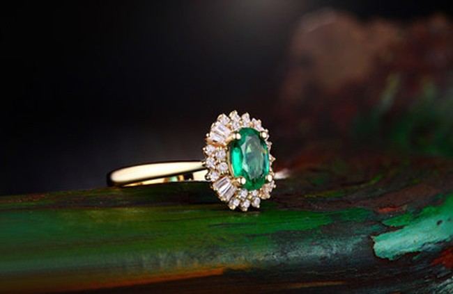1 Carat Halo Gemstone Green Emerald And Diamond Engagement