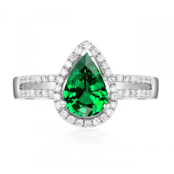 2 carat emerald and halo engagement ring in white