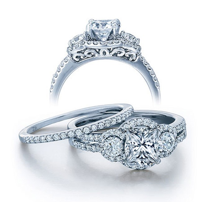 Superior GIA Certified 2 Carat Princess Cut Diamond Vintage Wedding Ring Set In  White Gold.